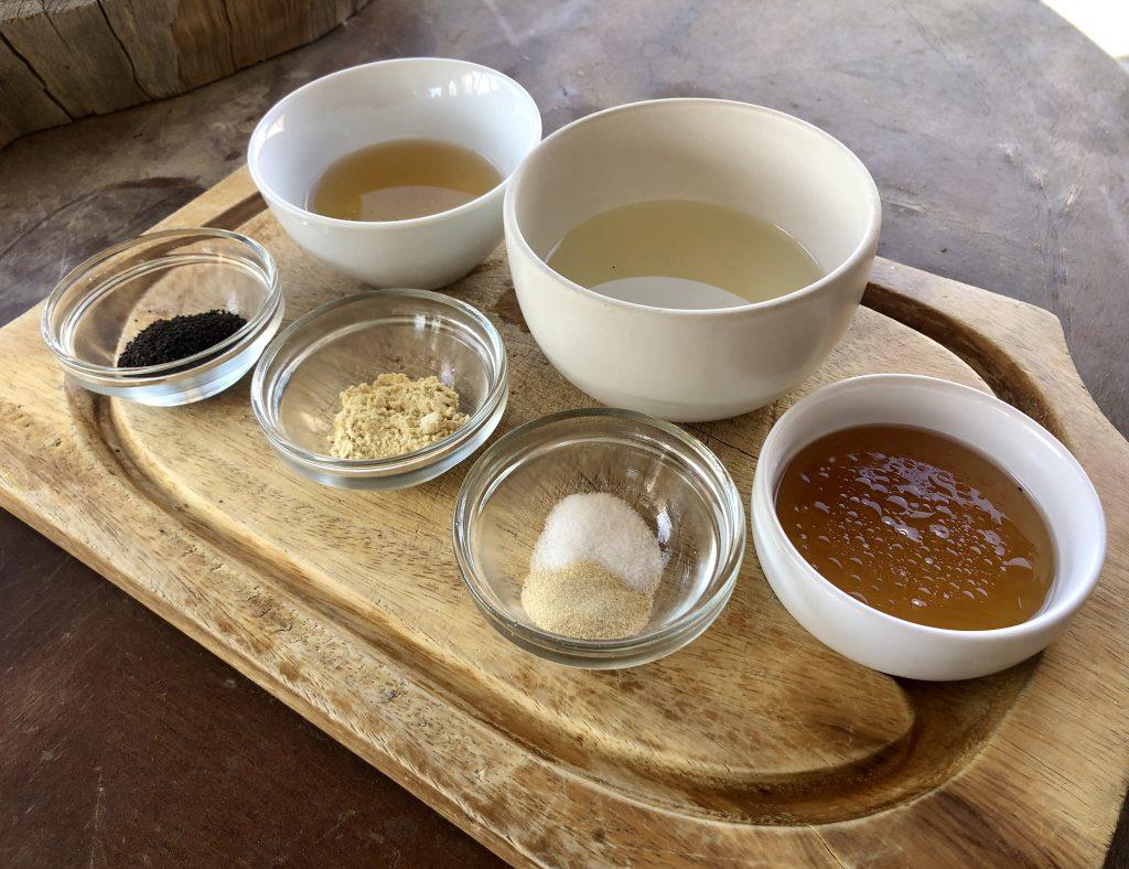 Poppy Seeds, raw honey, mustard powder, salt, onion powder, sunflower oil, and apple cider vinegar